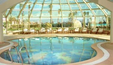 فندق كارولز بريفاج - حمام سباحة داخلي - أجازا