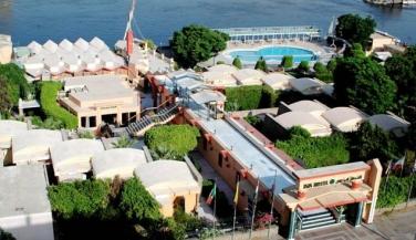 فندق بيراميزا أيزيس كورنيش - منظر عام.- أجازا