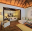 غرفة-الفيلا-بحمام-السباحة---فندق-كرومبا---مال