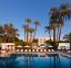 حمام سباحة فندق هيلتون الآقصر ريزورت أند سبا