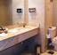 حمام غرف فندق دوم مارينا - العين السخنة